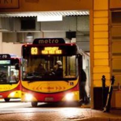 Media Red Bus